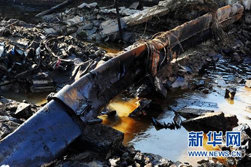 这是2013年11月24日拍摄的位於青岛经济技术开发区秦皇岛路与斋堂岛街