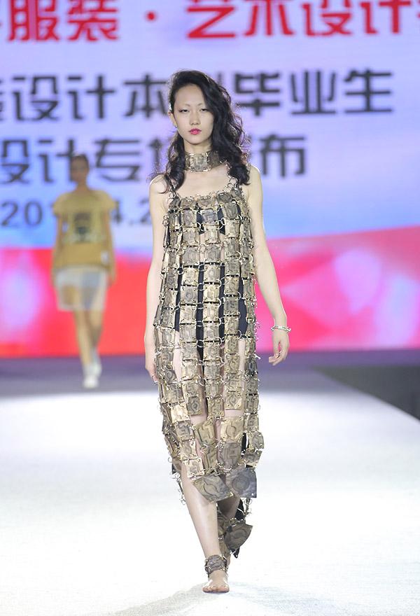 环东华时尚周落幕:毕业大展编织海派时尚梦