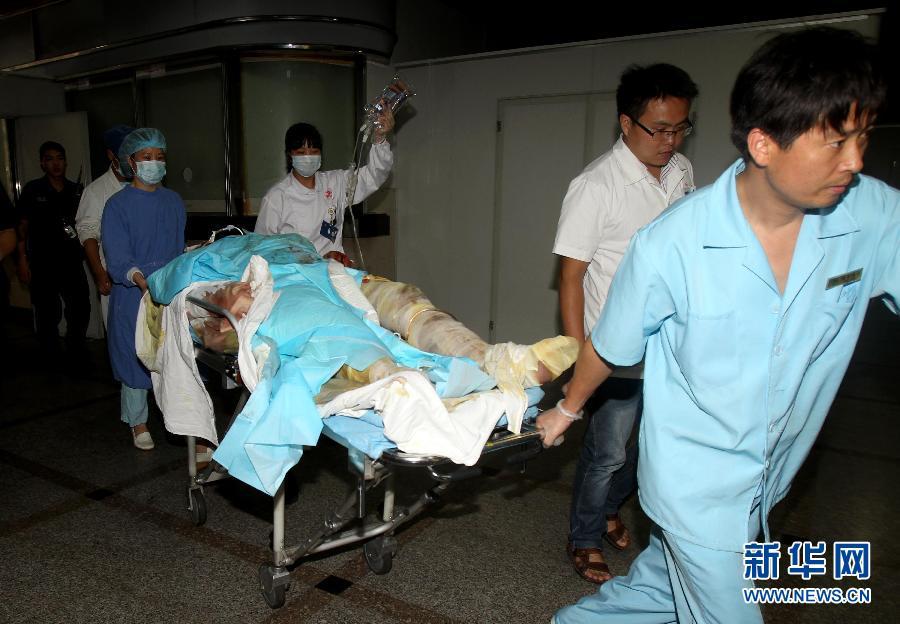 上海/记者从上海市相关医疗机构获悉,昆山爆炸事故发生后,上海瑞金...