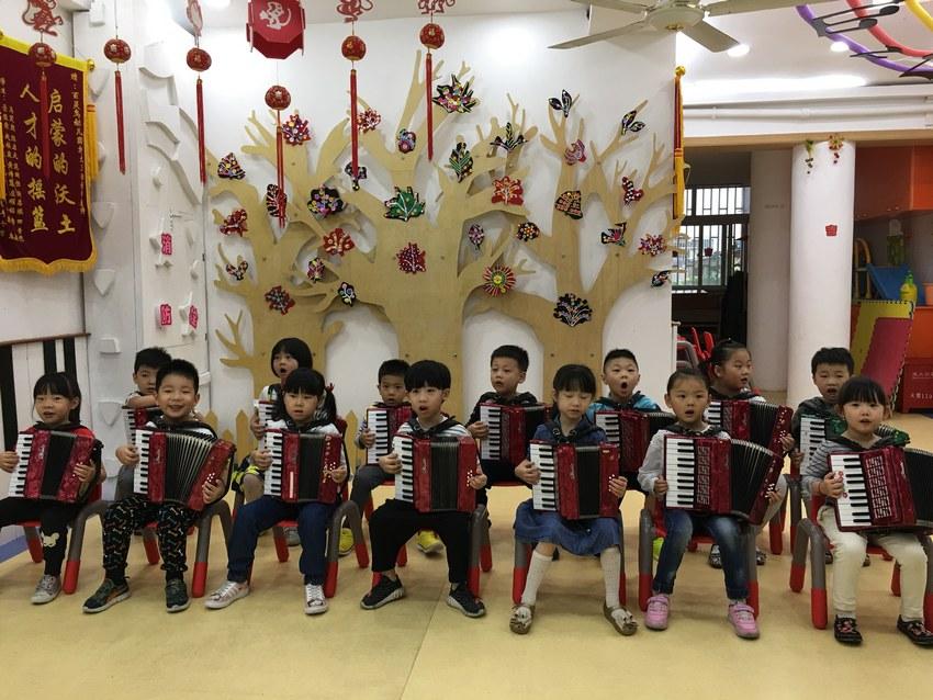 上海市百灵鸟幼儿园简介