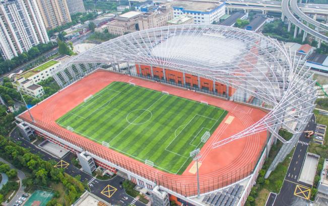 沪首座屋顶标准体育场