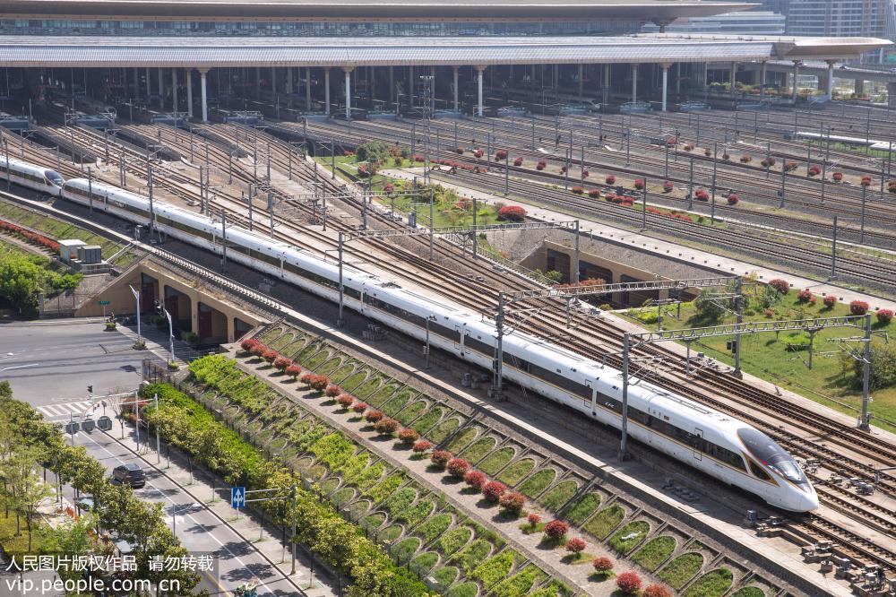 """今起铁路实行新运行图 """"复兴号""""再度扩大开行范围"""
