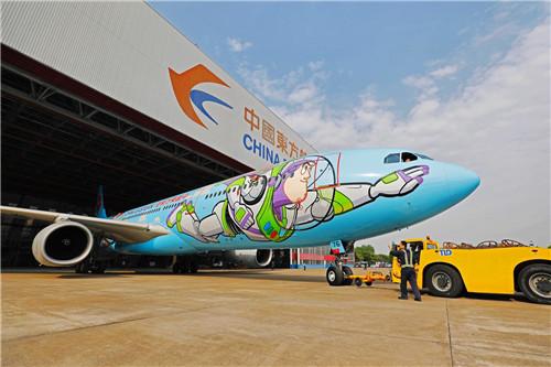东航全新迪士尼彩绘飞机发布旅客可沉浸式娱乐体验