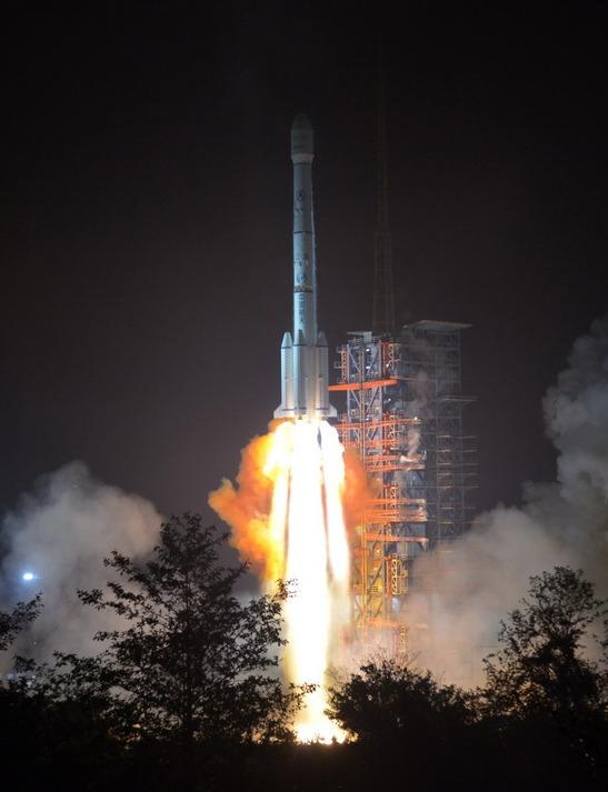"""我国成功发射 """"亚太6C""""通信卫星"""