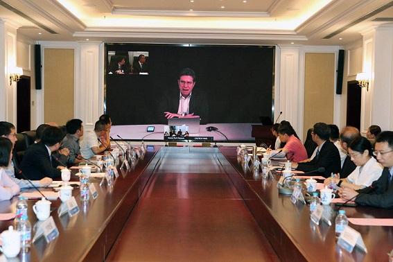 """上海市精神卫生中心与上海陈天桥脑疾病研究所""""联姻"""""""