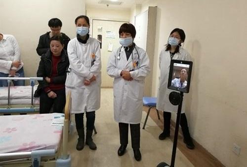 """培育""""带不走""""的医疗人才中国专家研发医疗服务机器人助力分级诊疗"""