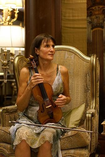 演绎弓弦上的独舞维多利亚·穆洛娃在沪无伴奏小提琴首秀