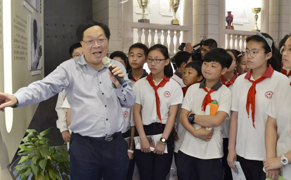 打破围墙资源共享上海浦东集团化办学效果显著