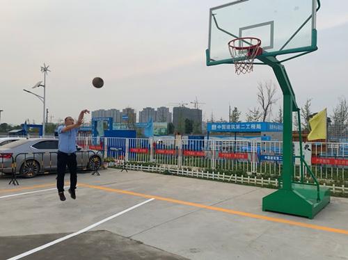 江北新区市民中心工程庆端午篮球比赛--上海频道--人民网
