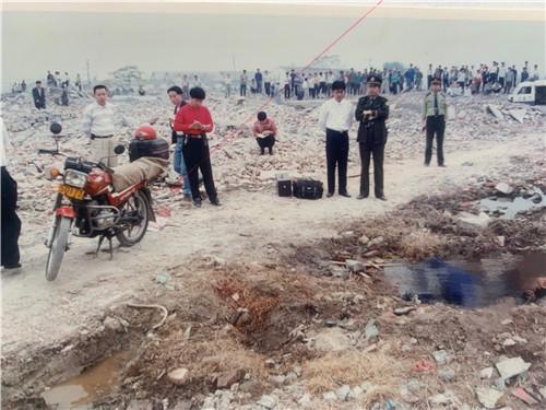 22年前上海摩的师傅被害警方千里追凶两凶手落网