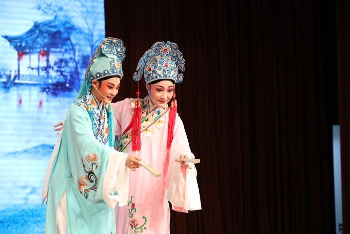 """上海:""""日晖有戏""""戏曲文化节开幕"""
