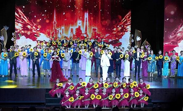 """第五届上海沪剧艺术节唱响""""祖国颂"""""""