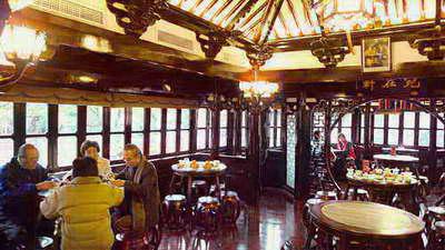 亭内部结构按1885年的图纸进行修复,完美体现明清建筑特色